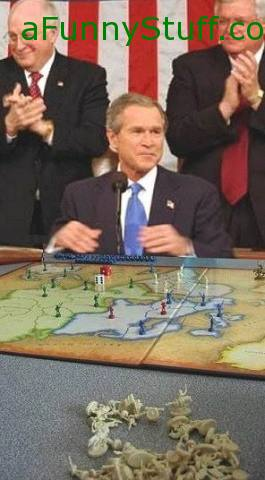 Funny pictures : PRESIDENT BUSH PLAYING WAR