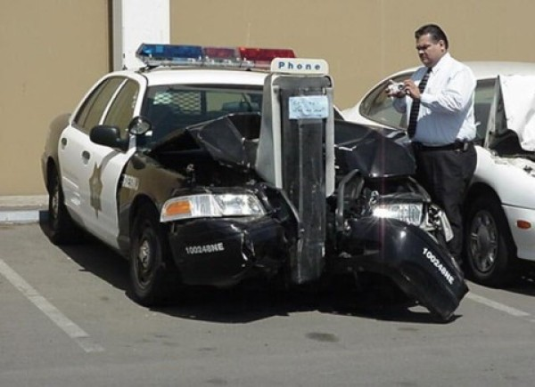 Funny pictures : COPS CANT DRIVE